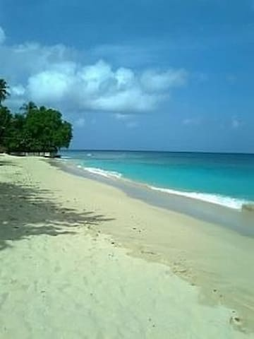 Beautiful Villa. Mullins Beach /Gibbs Beach