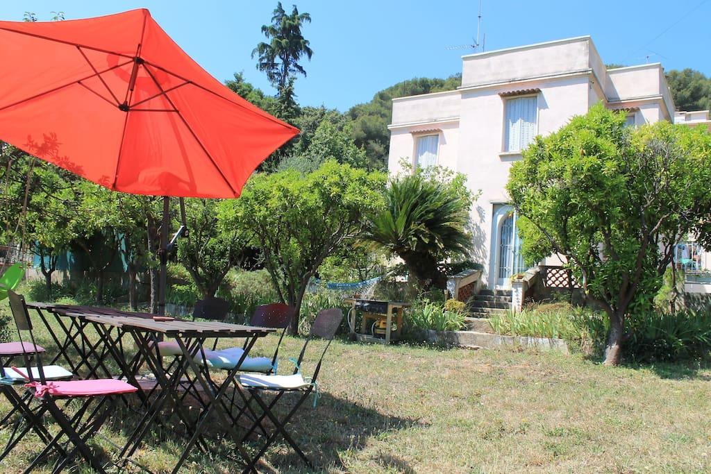 Villa st laurent du var proche nice et bord de mer case for Jardin villa ratti nice