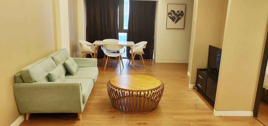 Large apartment in KL for 2 in KL. 5min jln alor.