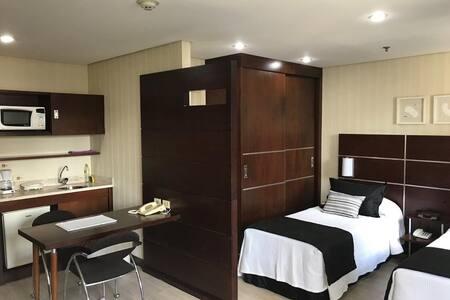 Toda conveniência de um flat em ótima localização!