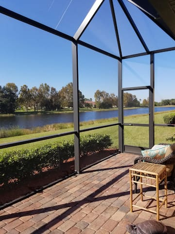 Come enjoy our vacation in this beautiful lakeview Villa at River Strand
