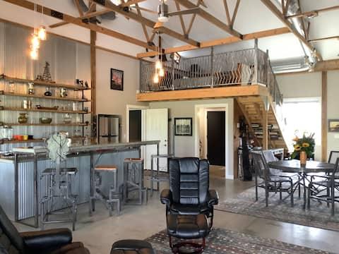 Art Barn in the Country/Working Metal Art Studio