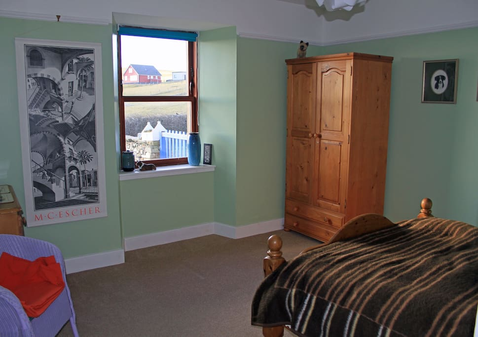 Spacious room, views in all directions!