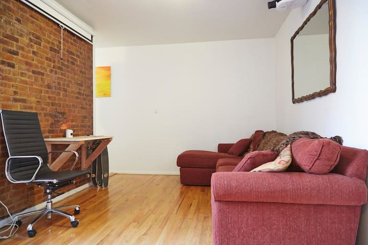 Sunny - Large Two Bedroom