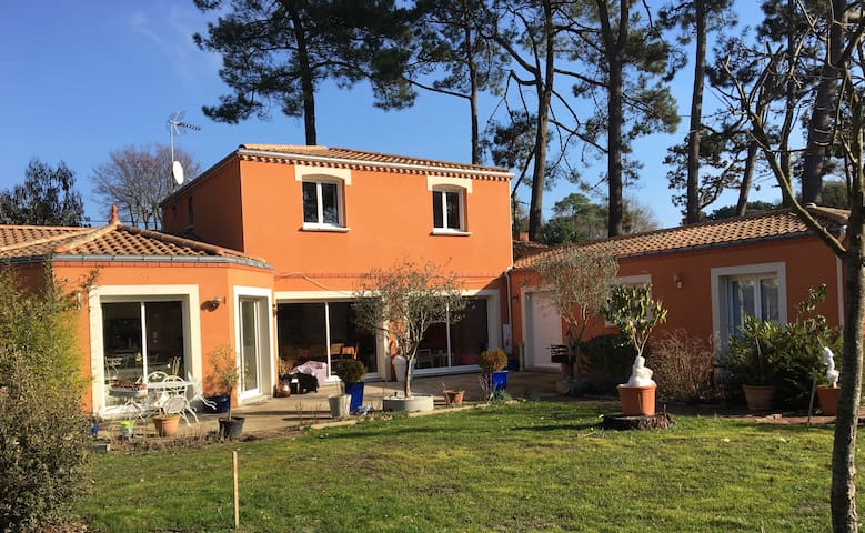 Villa Spacieuse, grand jardin, pisc - Saint-Brevin-les-Pins - Casa