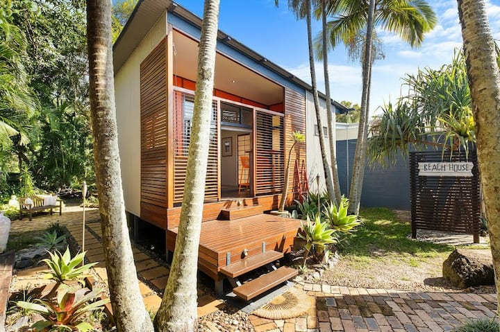 """Beach House"" Getaway Yaroomba"