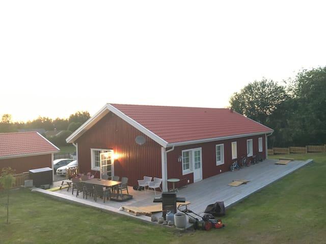 Lantlig villa med gångavstånd till sjö. - Alingsås - 一軒家