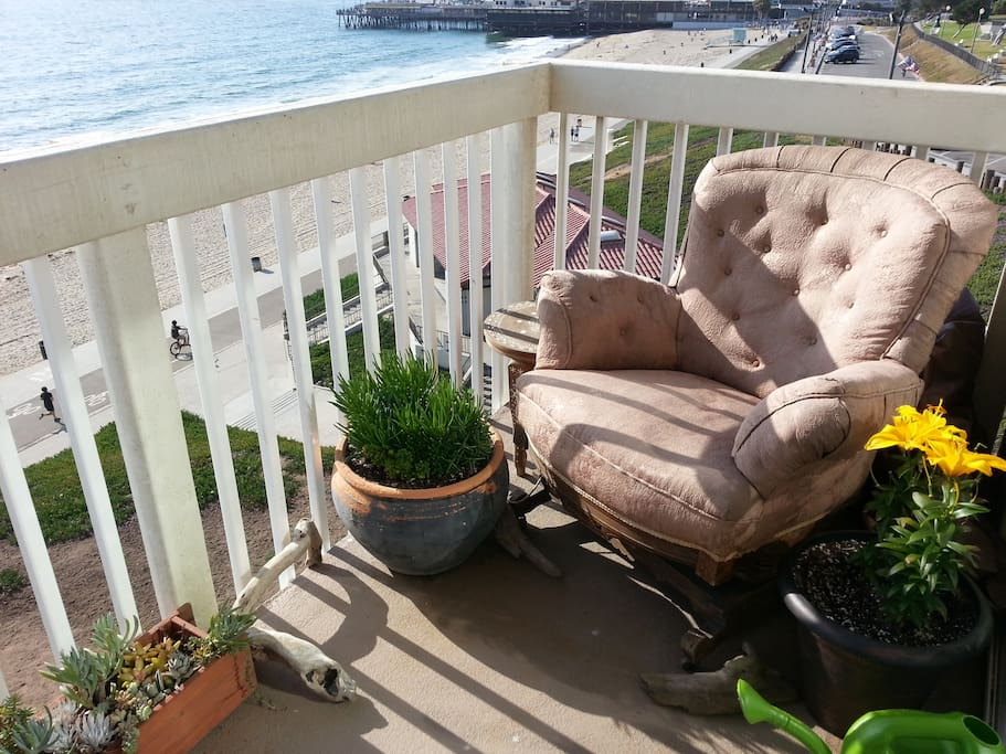 Bask in the sun in a comfy rocker on the deck, listening to the waves.