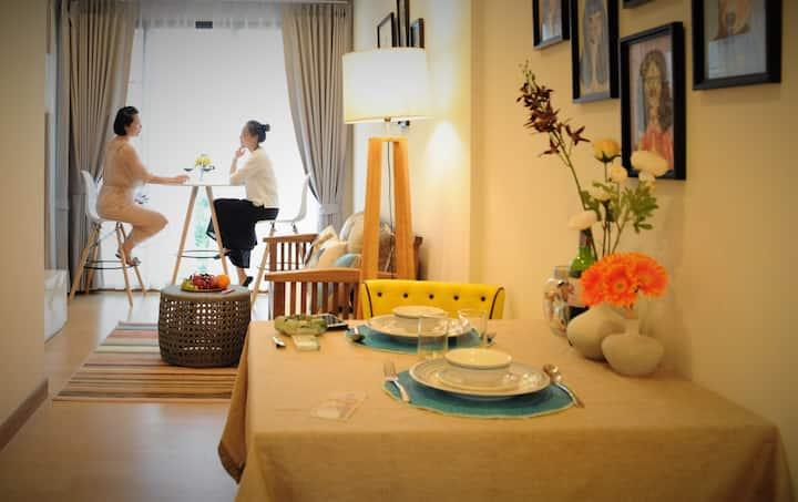 Astra condo香格里拉隔壁48平大户高档公寓,华文房东,超高卫生标准,高级全套乳胶寝具
