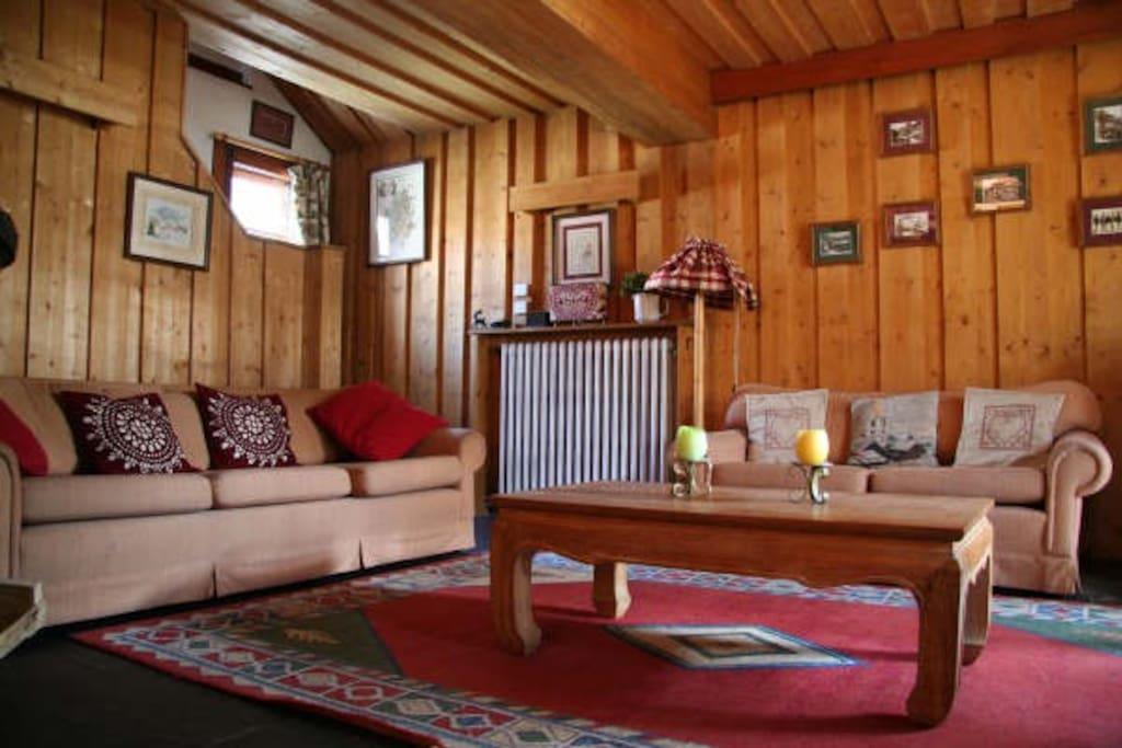 traditional savoyarde chalet piote chalets louer val. Black Bedroom Furniture Sets. Home Design Ideas