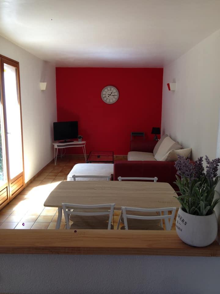 """Appartement F3 """"A l'aube"""" proche Montluçon (10min)"""
