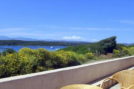 Villa 4 pers, baie de Santa Manza, 20m de la plage - Bonifacio - Dům
