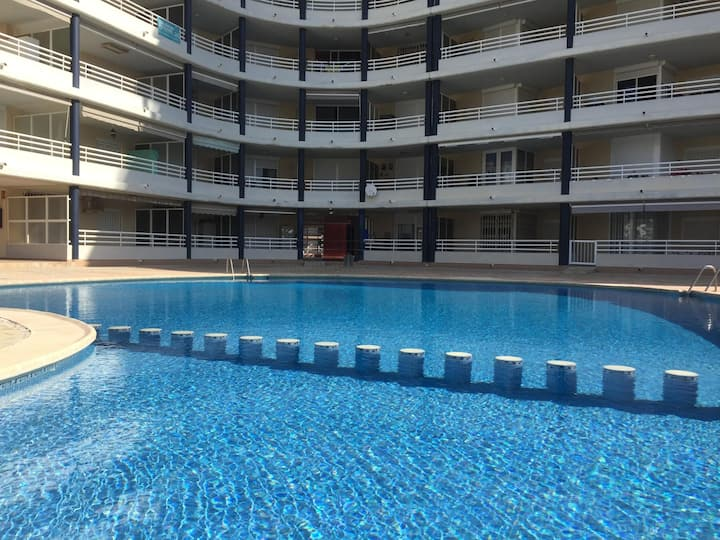 Apartments with swimming pool at the beachfront. Ref. Picasso-46
