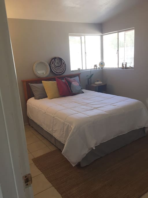 Queen Size, Tuft & Needle Mattress, spacious room with closet (shelf and hanging bar)