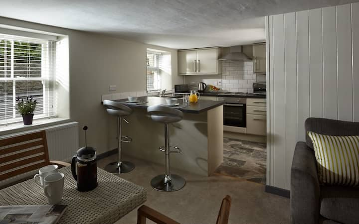 Self contained apartment just outside Wells