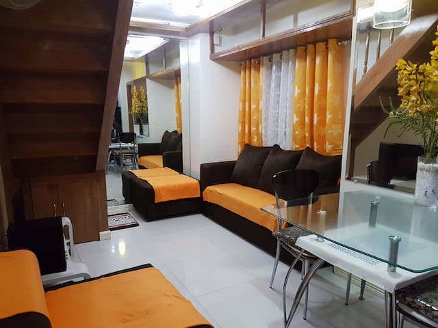 Cozy Affordable Condo just off TIMOG Avenue
