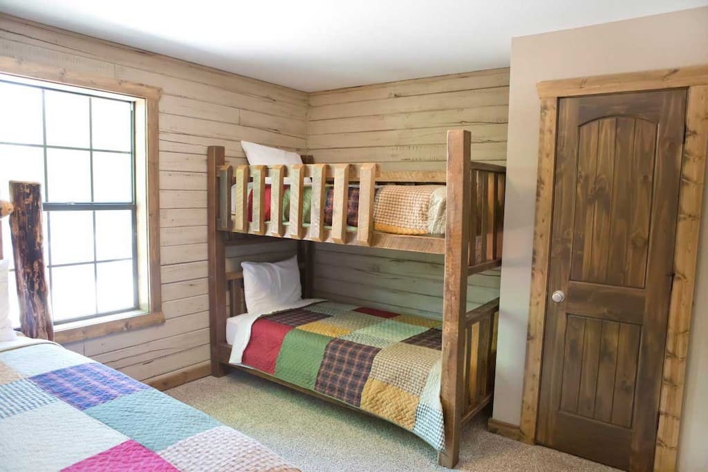 New 2 Bedroom 2 Bath Lakefront Cabin Cabins For Rent In Branson Missouri United States
