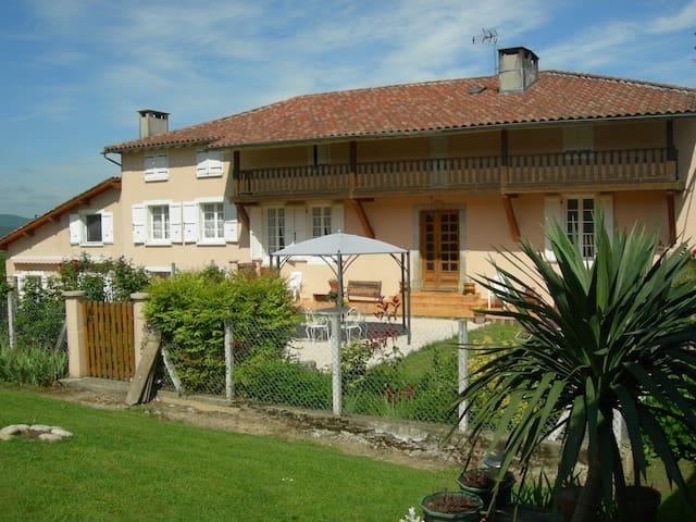 Gite de France Le Clos Fleuri - Caumont - Haus