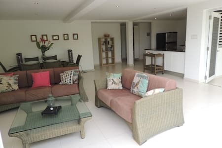 Mill House Apartment - St James, Barbados - 公寓