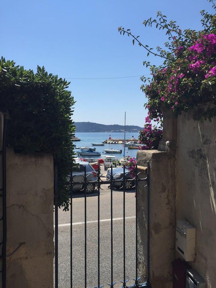 Studio avec terrasse à 50 m de la mer Toulon