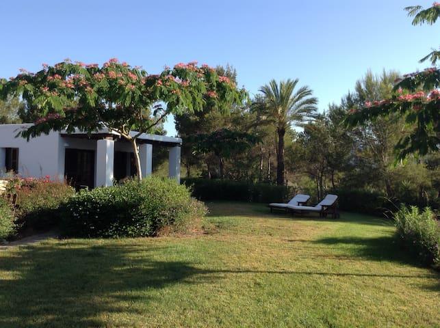 Authentic and Peaceful Casita - Santa Eulària des Riu - House