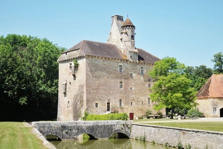 Château du XVème siècle - Thenissey