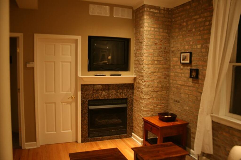 Flat Screen TV and working Fireplace
