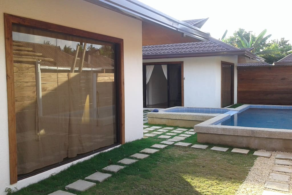 private yard and pool