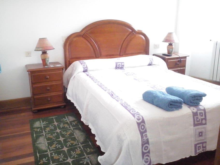 la cama de la habitacion 5