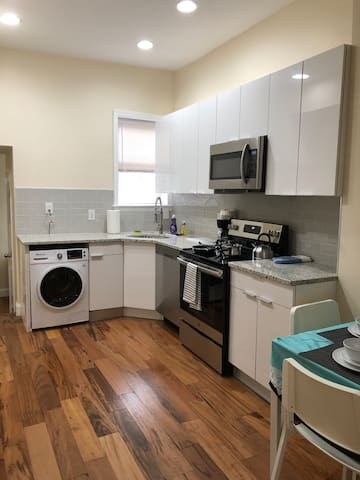 Brand New 1BR Apt at Broad St for Citylife/Parking