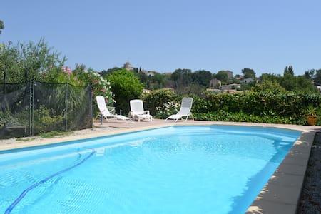 jolie maison 10 min Aix en Provence - Venelles - Casa