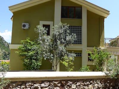 Turunc Luxury Villa sleeps 8-10. Private pool - Turunç Belediyesi