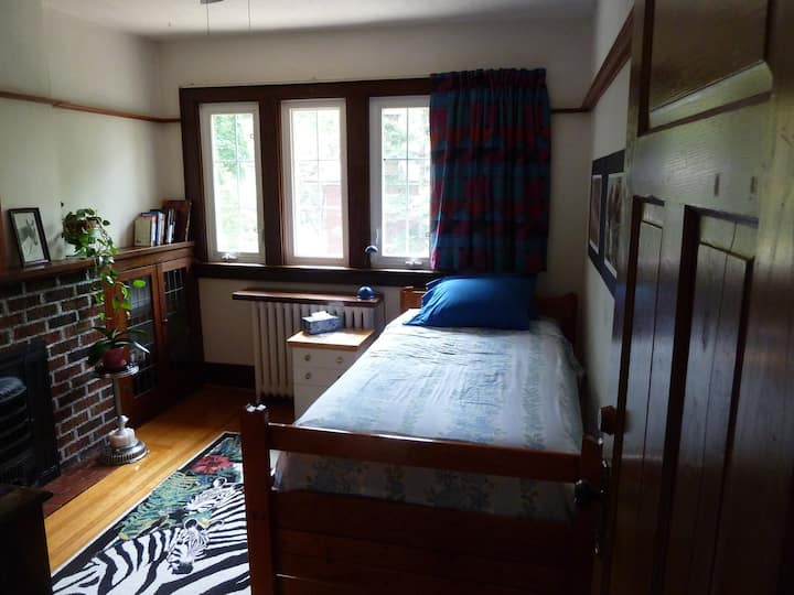 Charming Room in Bloor West Village