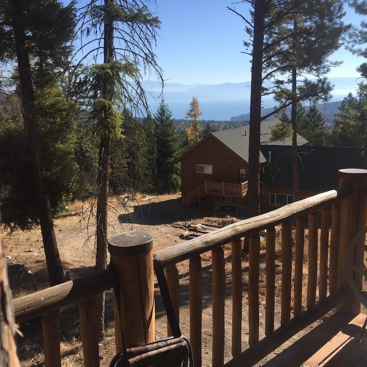 Luxury Guest Cabin Sleeps 2 Kitchenette Lake Views