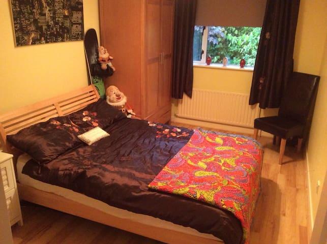 Comfy double bedroom.