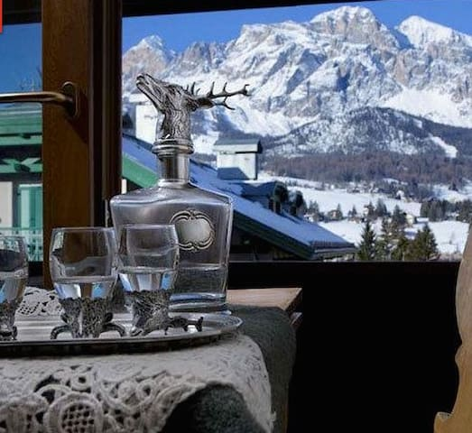 Studio apartment in 4* hotel - Cortina - Bed & Breakfast