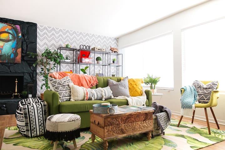 New Designer Hilltop House Getaway, VIEWS + Disney