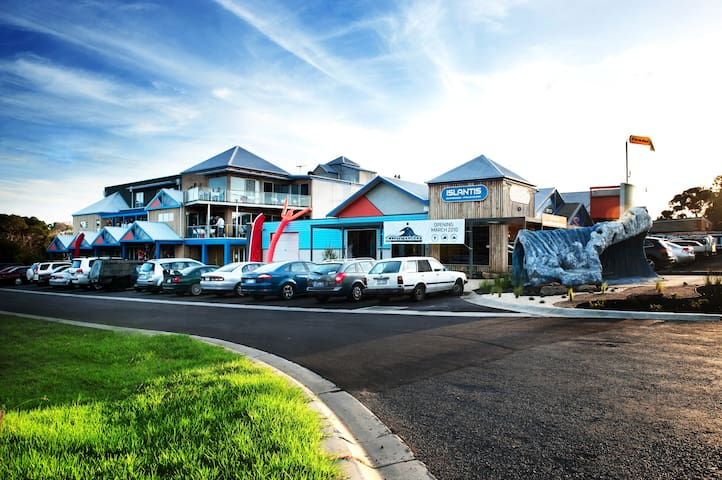 The Island Accommodation - Phillip Island YHA - Newhaven - Slaapzaal