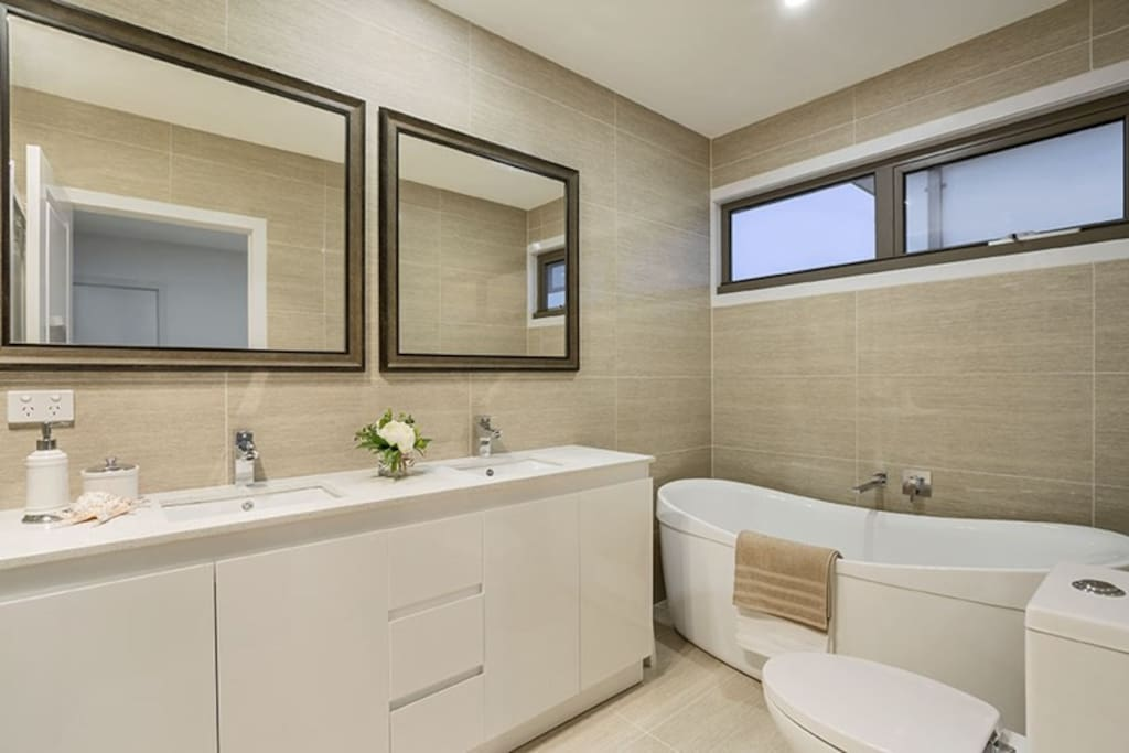 Suite Bath room