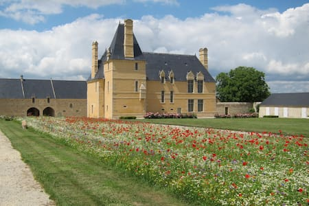 At the Farm Manor in Bayeux (Historical)