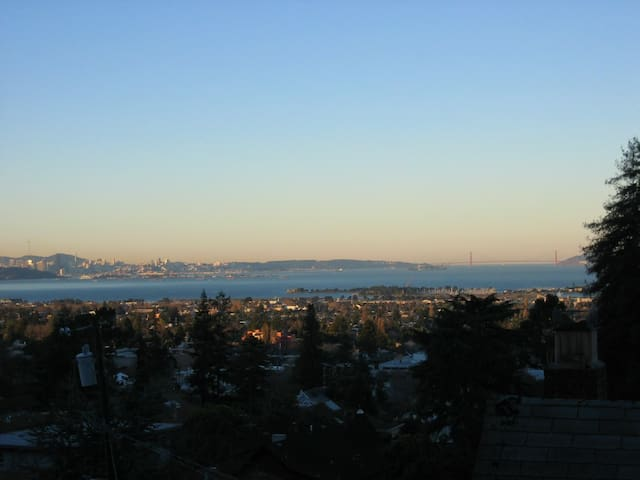 Spectacular View, Ideal Location - Berkeley - Ev