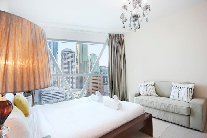 ★ Spacious Apartment in the Classic Park Towers