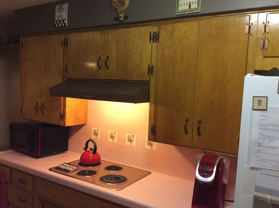 Original 1960 Kitchen fully furnished all dishes, pots, pans, microwave and coffee pot, everythings there!
