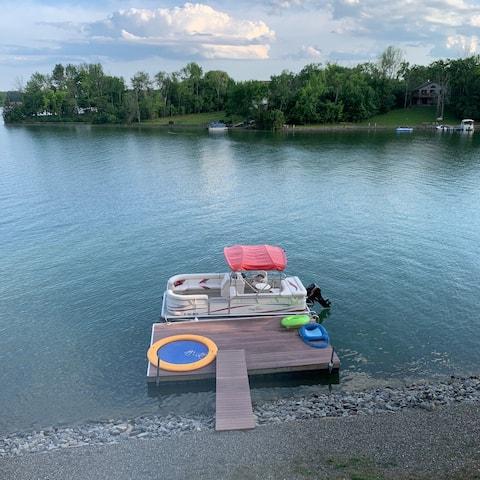 Special Waterfront Lakehouse  Sleepy Hollow Lake