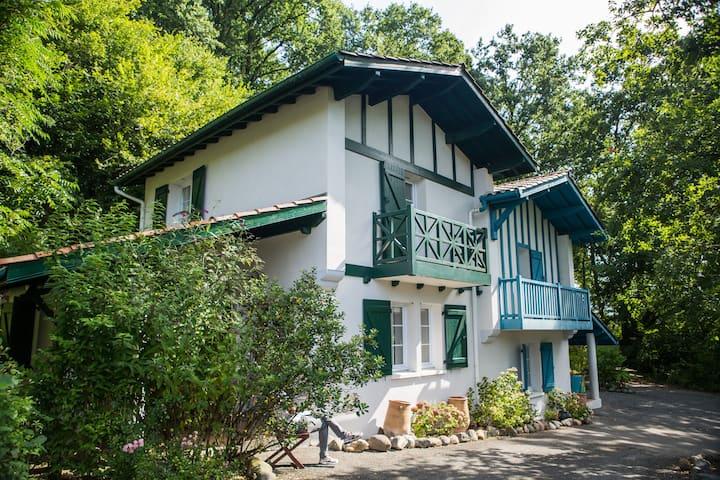 Belle villa typique Basque, 6/8 personnes