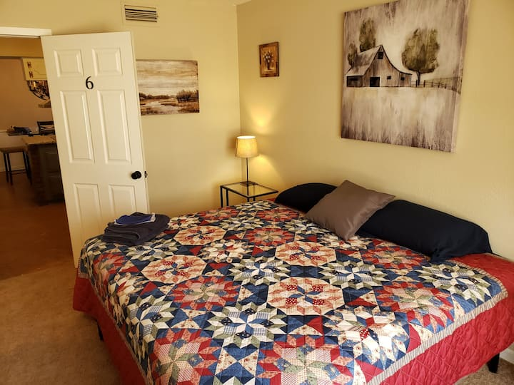Homeplace King Suite DFW South- NO CLEANING FEE