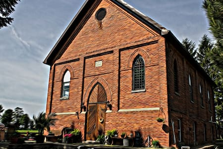 Spend a night in an 1899 church - Fordwich - Bed & Breakfast