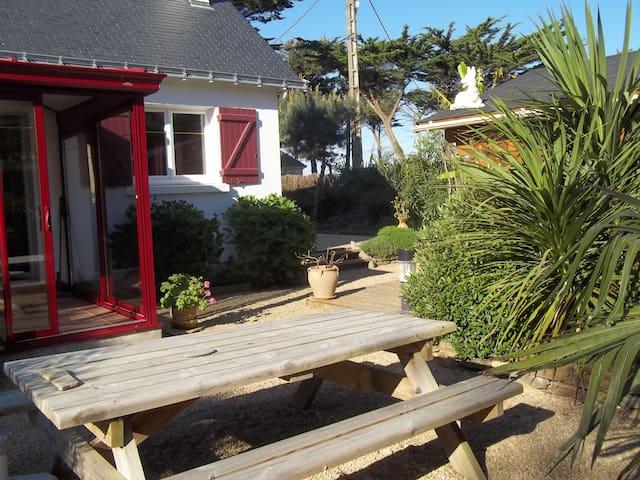 Maison avec jardin exotique clos à 50 m de la mer
