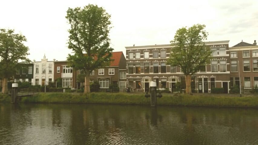 Charming Apartment Canal View - Voorburg - Apartemen