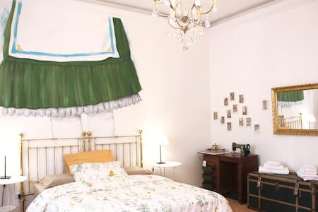 Casa GRANDMA b&b-design room 2